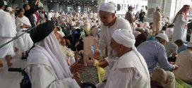 Fatih Nurullah Efendi Hz. Rufai şeyhi Zeki Bedevi hz ile Beytullahta buluştu